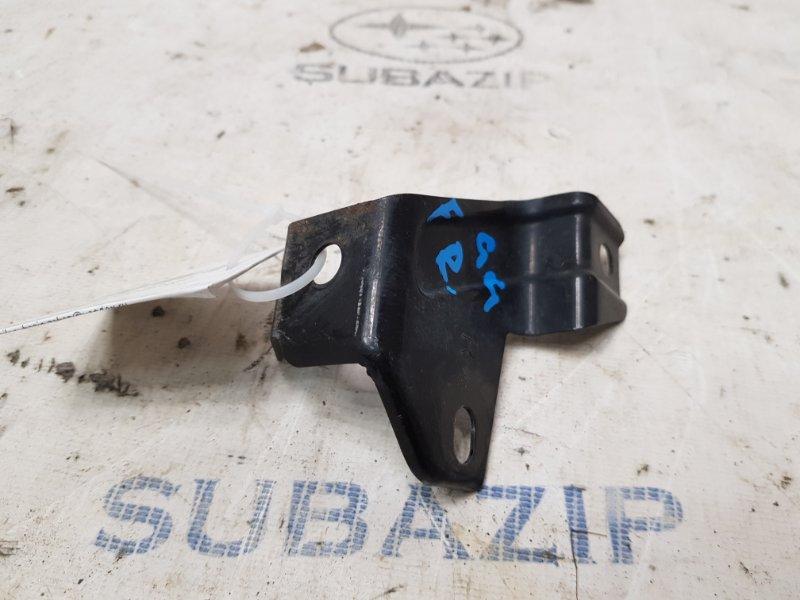 Крепление бампера Subaru Impreza G11 2005 правое нижнее