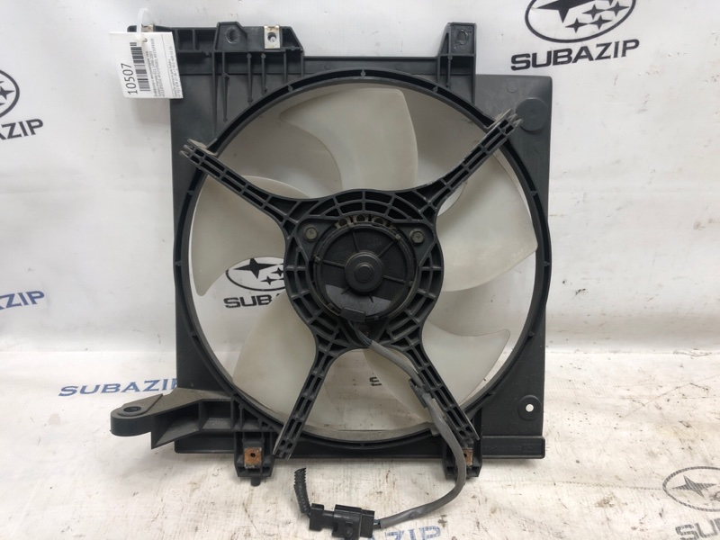 Диффузор с вентилятором Subaru Impreza G11 1998 левый