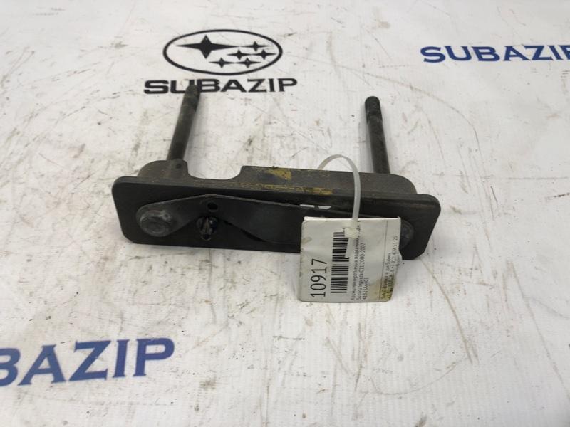 Кронштейн крепления подрамника Subaru Impreza G11 2000 передний верхний