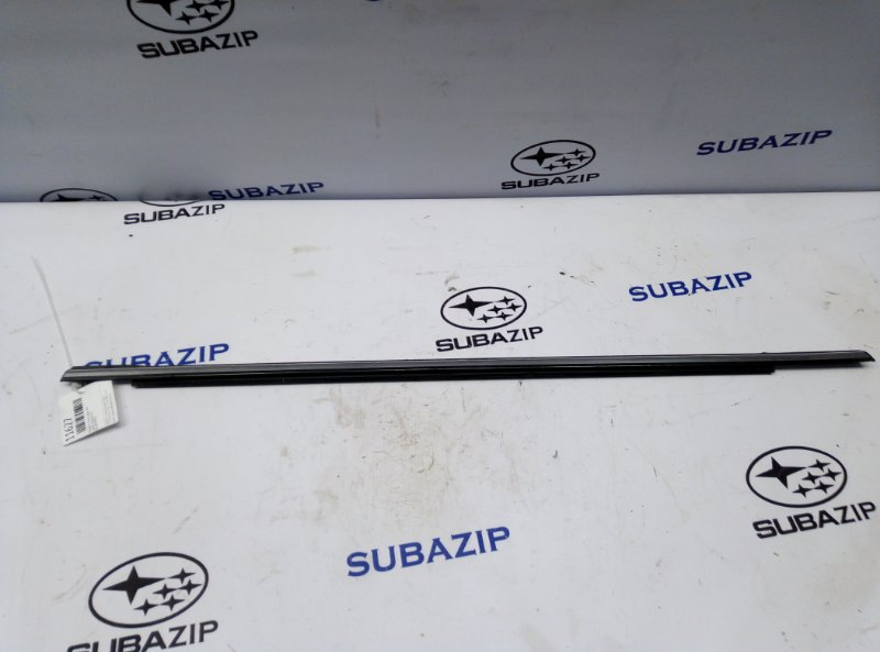 Молдинг стекла Subaru Impreza G12 задний левый