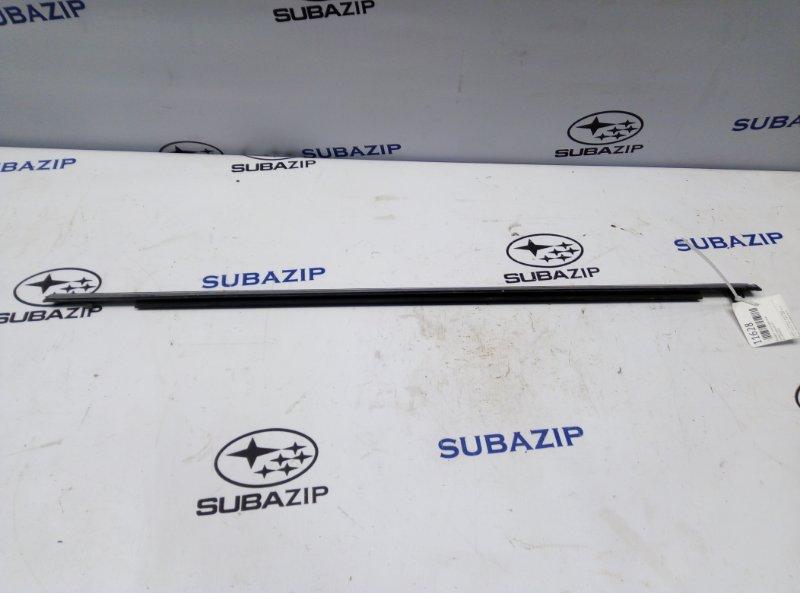 Молдинг стекла Subaru Impreza G12 задний правый