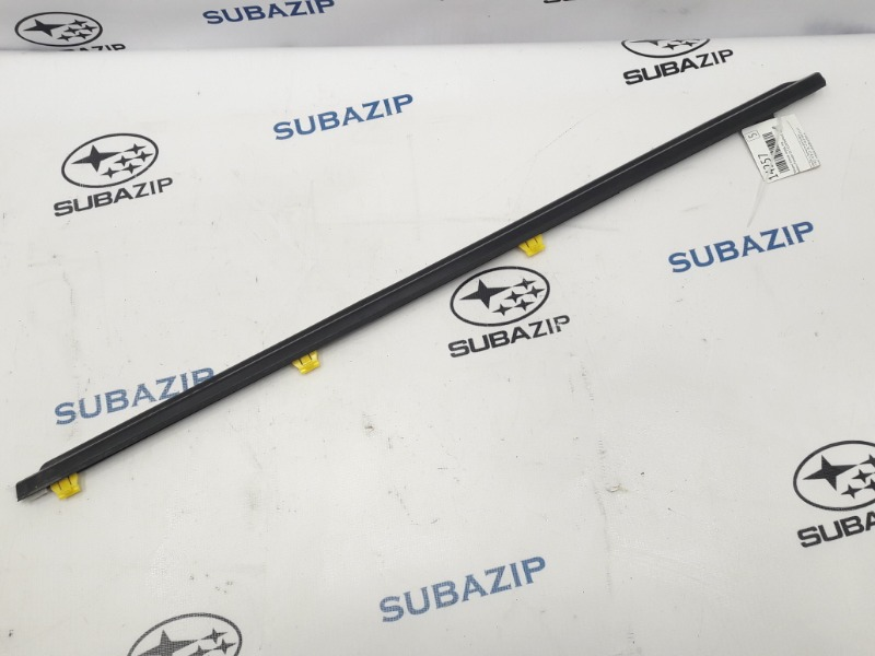 Молдинг стекла Subaru Forester S11 EJ203HPRHE 2007 передний левый
