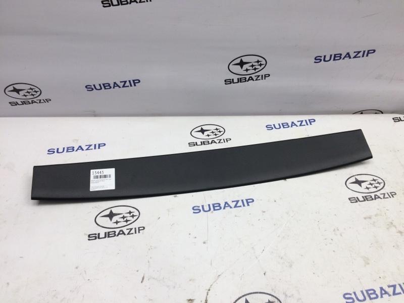 Обшивка двери багажника Subaru Impreza G23 задняя верхняя
