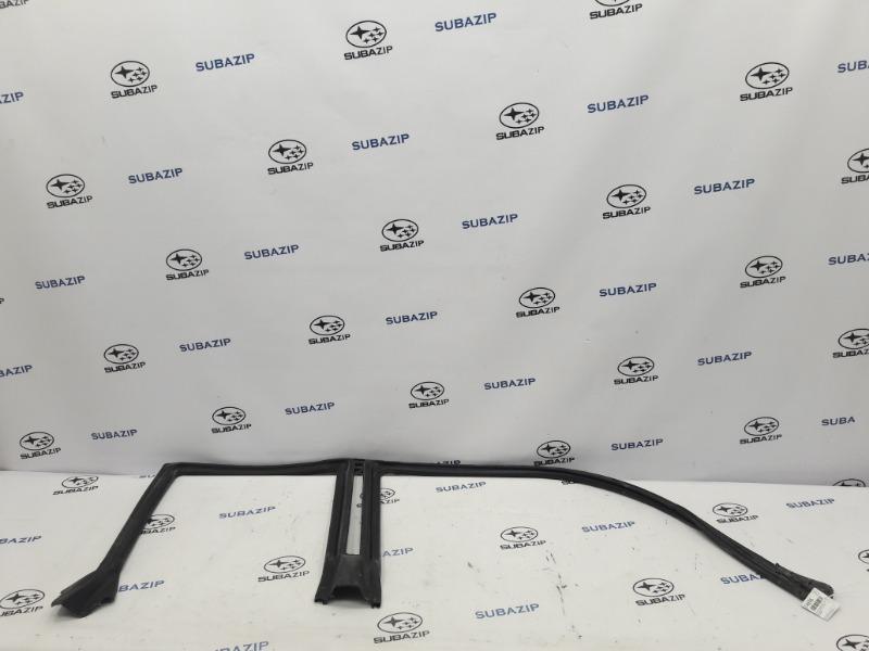 Уплотнитель дверной в проем Subaru Outback B13 EJ253 2007 правый