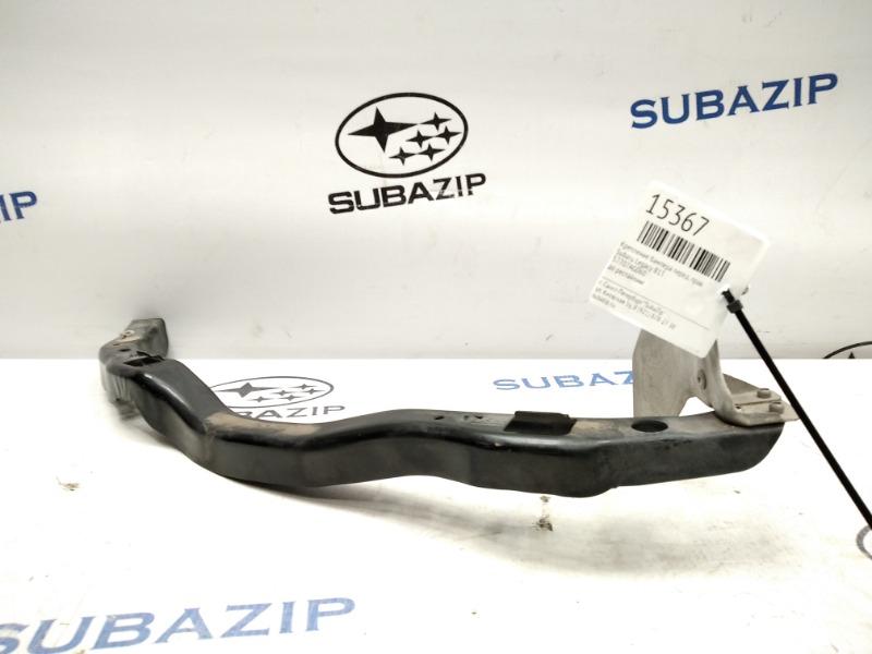 Крепление бампера Subaru Legacy B13 переднее правое