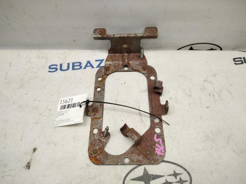 Площадка кулисы кпп Subaru Legacy B13