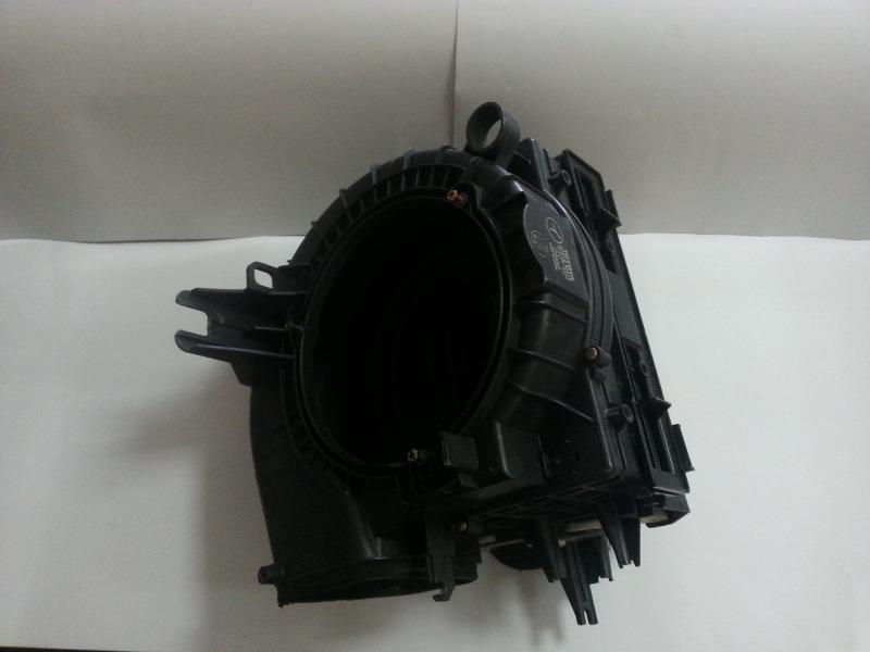 Корпус моторчика печки Toyota Harrier MCU10 1MZFE передний