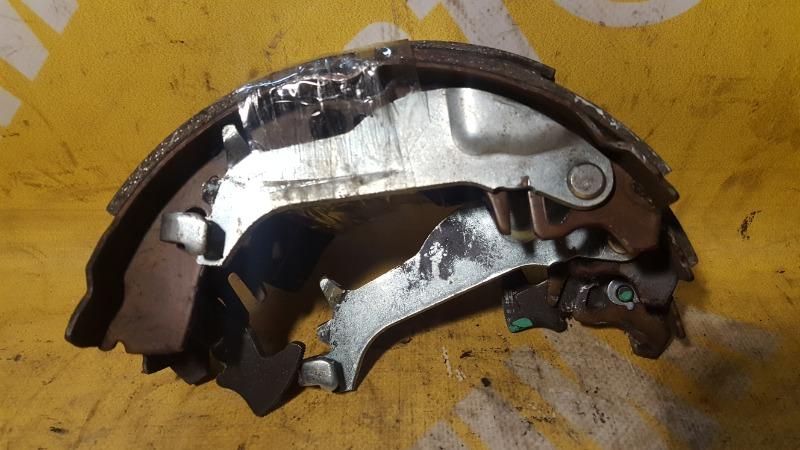 Колодки тормозные Toyota Vitz SCP11 1SZ-FE задние