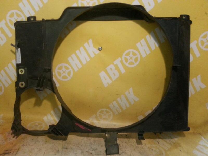 Диффузор радиатора Toyota Estima TCR10W 2TZFE передний TOYOTA 16712-76040