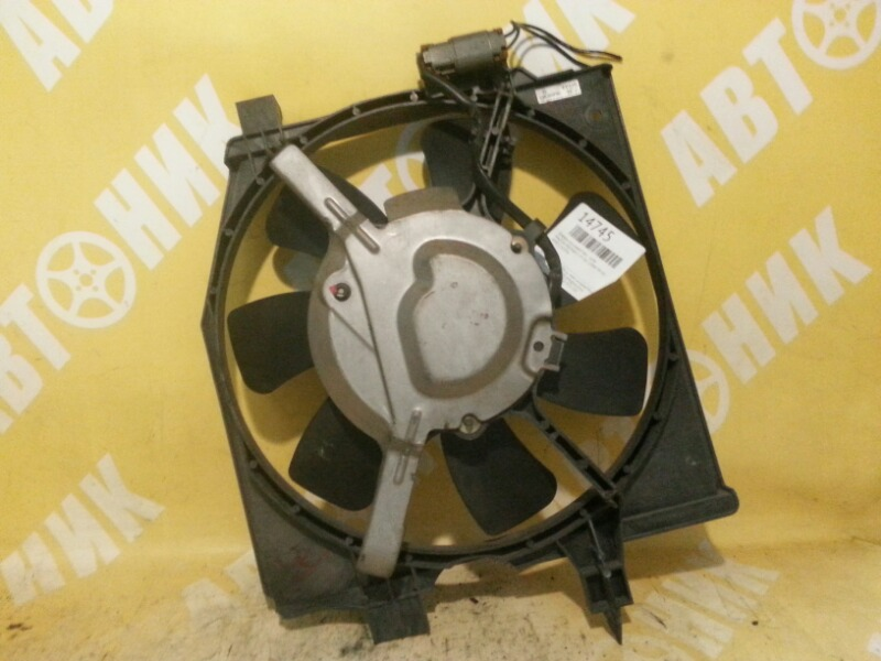 Диффузор радиатора Mazda Premacy CP8W FP-DE 99 передний правый MAZDA FP8515035A