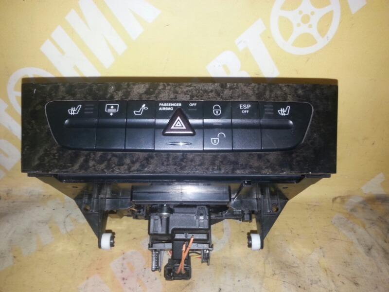 Блок управления подогрева сидений Mercedes-Benz E-Class W211 правый руль MERCEDES-BENZ
