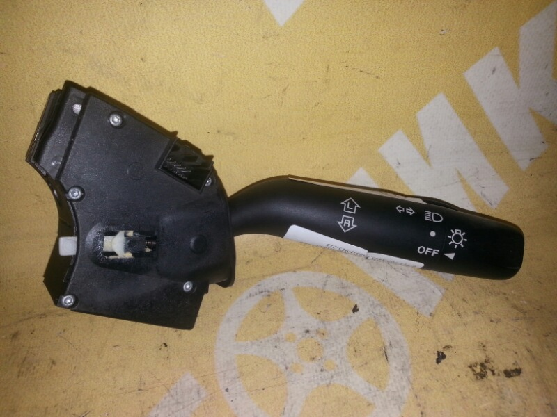 Гитара Mazda Demio DY3W правая MAZDA D37466122