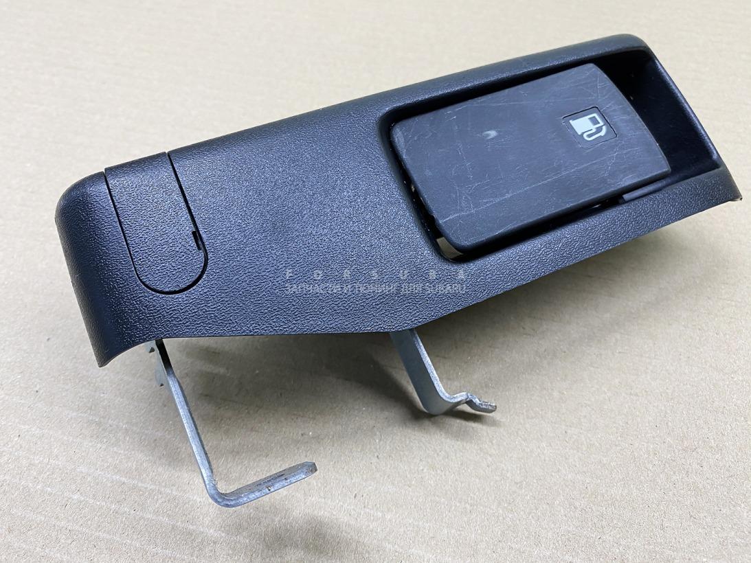 Ручка открывания бензобака Subaru Impreza Wrx Sti GRF EJ257HC2LE 2009