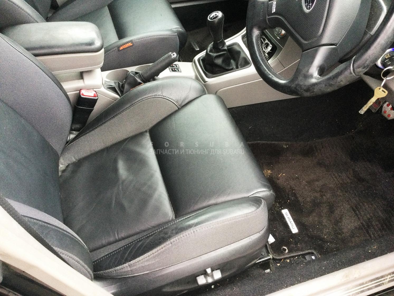 Сиденья комплект Subaru Forester SG5 EJ205DEQKE 2006