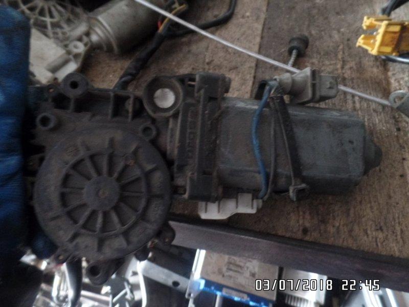 Мотор стеклоподъемника Mercedes-Benz Actros