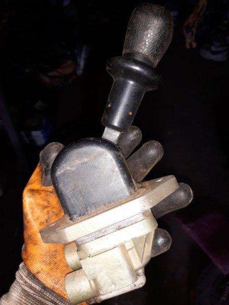 Кран ручного тормоза Man Tga