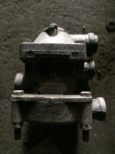 Кран управления тормозами прицепа Maz