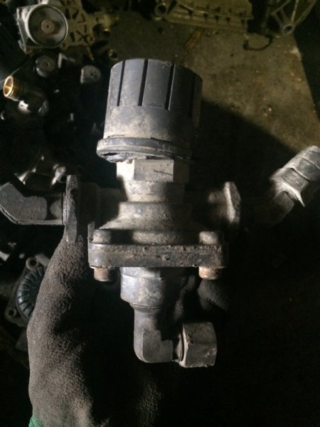 Кран аварийного растормаживания Scania R-Serie