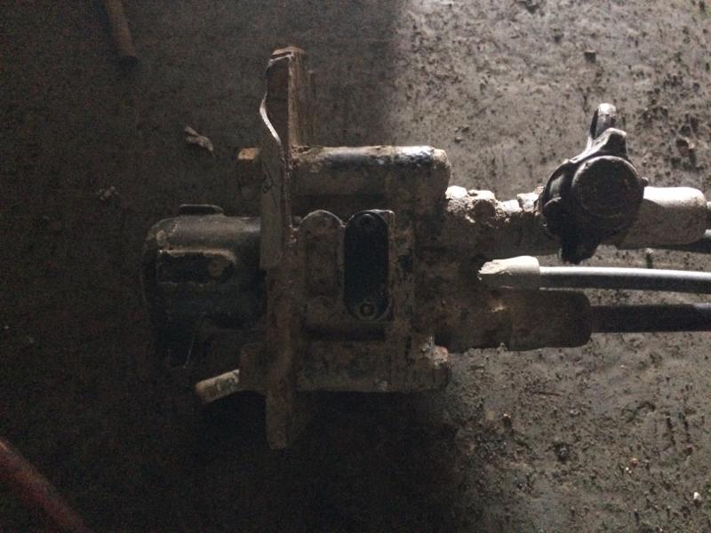 Кран ручного управления подвески прицепа