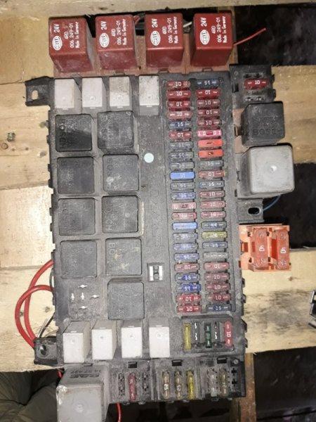 Блок предохранителей Daf Xf 95 XE 315 C1 2003