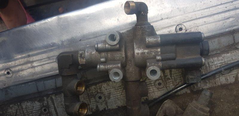 Клапан ускорительный Scania 4-Serie