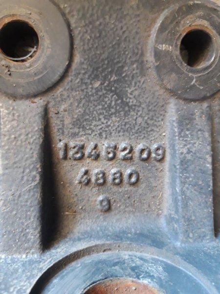 Кронштейн рулевого механизма Scania