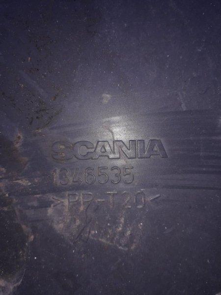 Обшивка двери Scania 4-Serie левая
