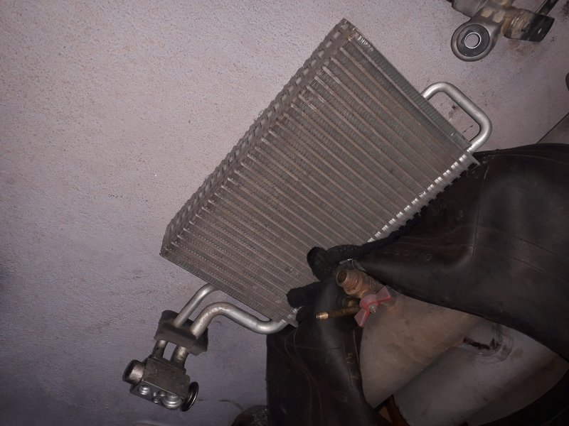 Радиатор кондиционера Man Tgl