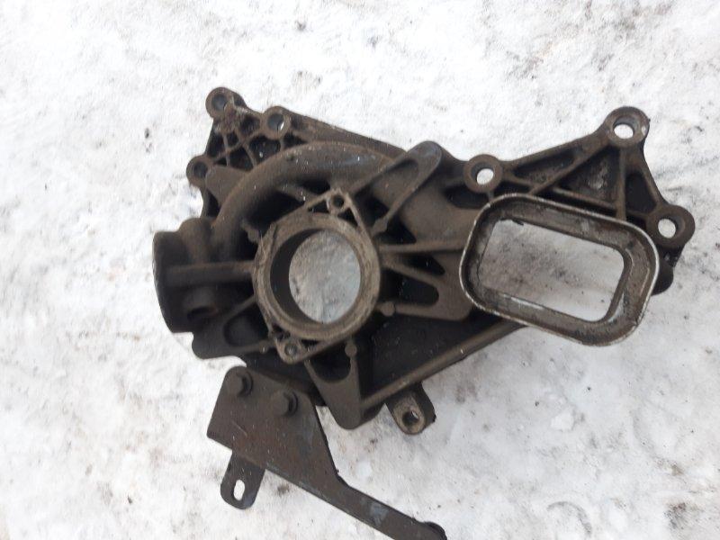 Корпус водяного насоса (помпы) Renault DXI 13