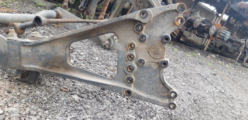 Кронштейн реактивной тяги Mercedes-Benz Axor 2 ОМ457 правый