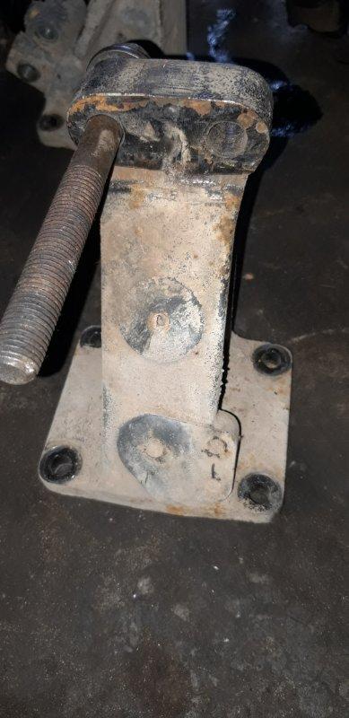 Кронштейн двигателя Daf Xf 95 передний