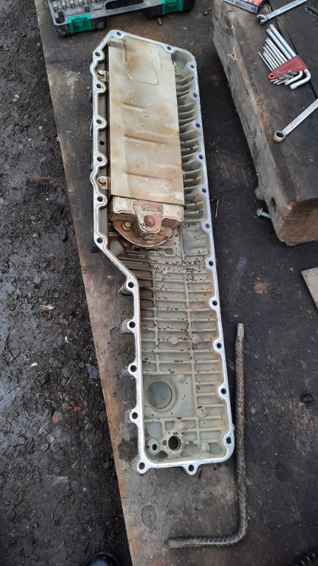 Крышка масляного радиатора Volvo Fh 13 D 13
