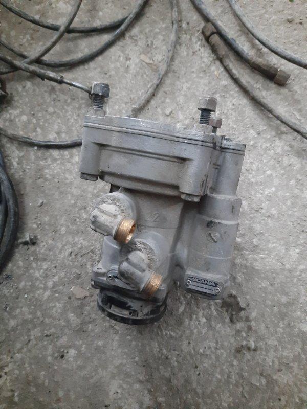 Кран управления тормозами прицепа Scania 5-Serie