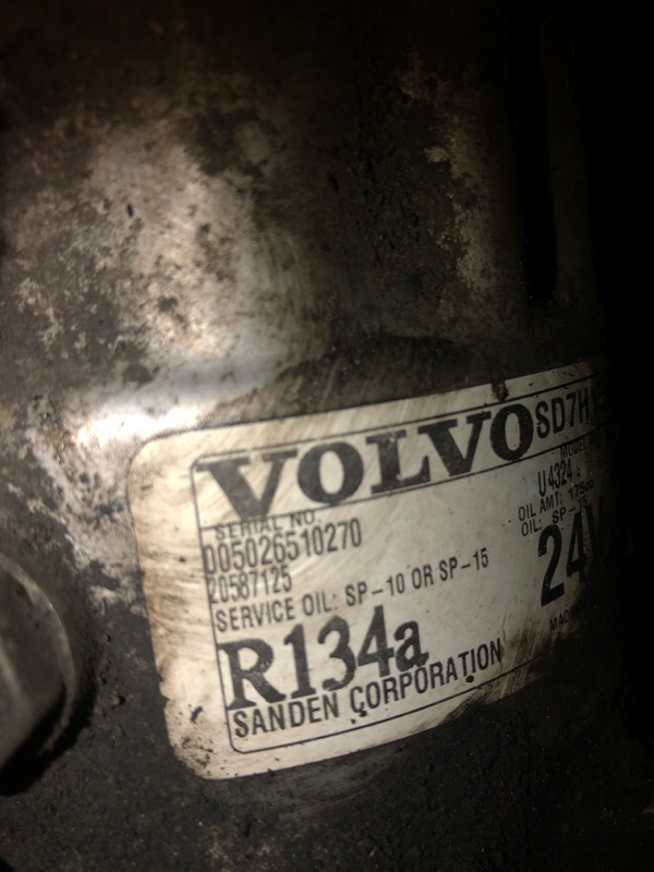 Компрессор кондиционера Volvo Fm