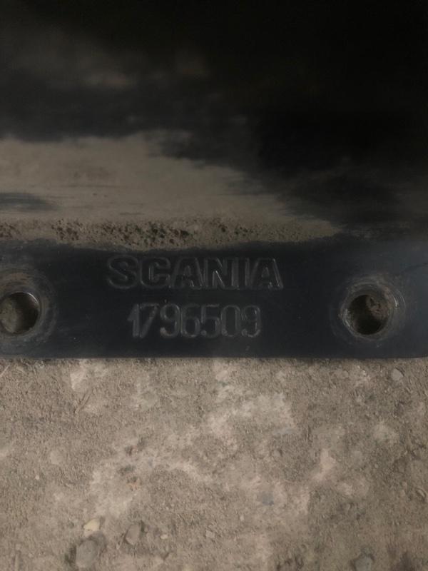 Кронштейн противоотката Scania