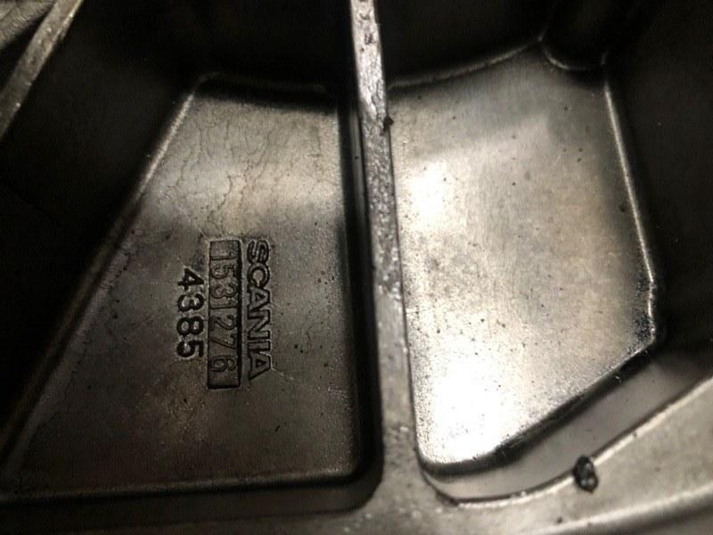 Крышка двигателя Scania