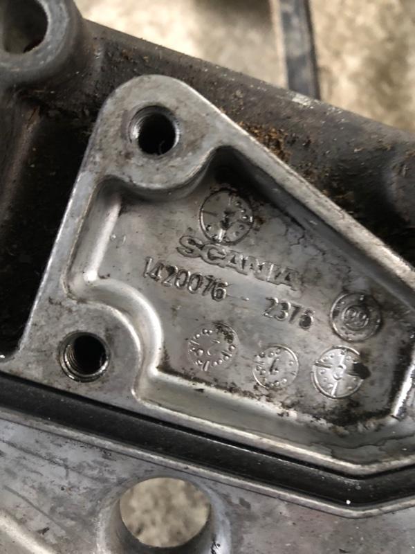 Крышка масляного радиатора Scania