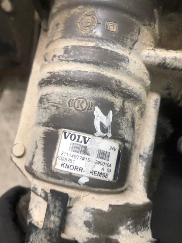 Кран управления тормазами прицепа Volvo Fm