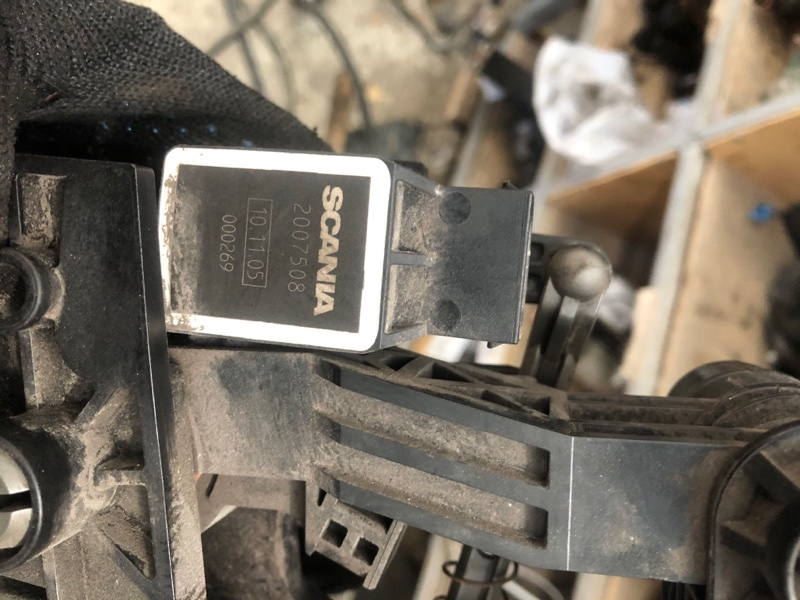 Педаль газа Scania