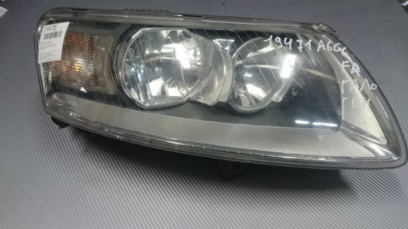 Фара правая галоген Audi A6 4F 2005-2009