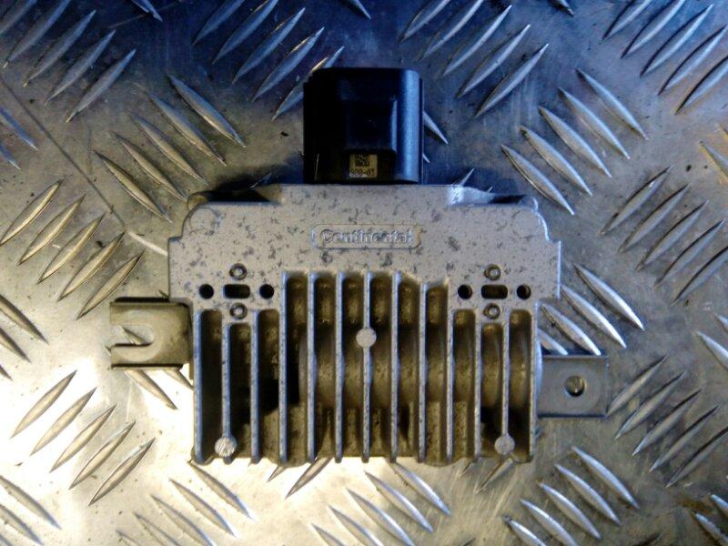 Блок управления бензонасосом Volvo S80