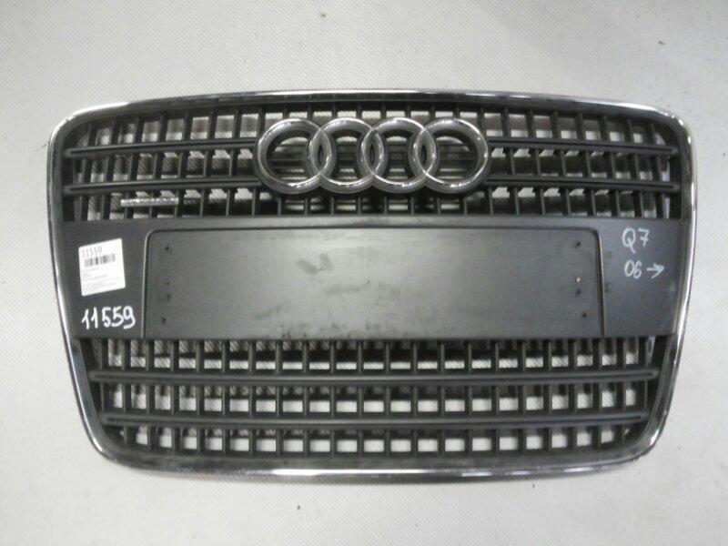 Решетка радиатора Audi Q7