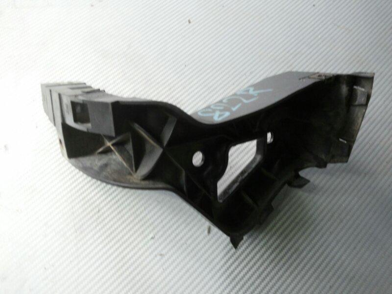 Крепеж порога Audi A8 D3 3.2 BKP 2006 задний правый