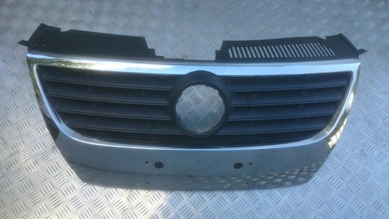 Решетка радиатора Volkswagen Passat B6 2.0T BWA 2005