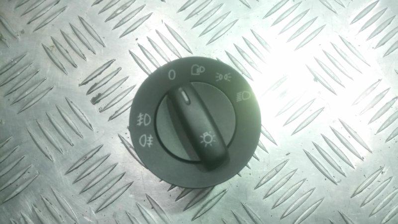 Кнопка Volkswagen Passat B6 2.0T BWA 2005