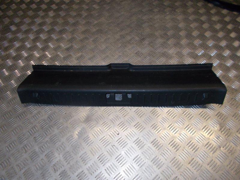 Накладка замка багажника Volvo S80 С80 B8444S 2007 задняя