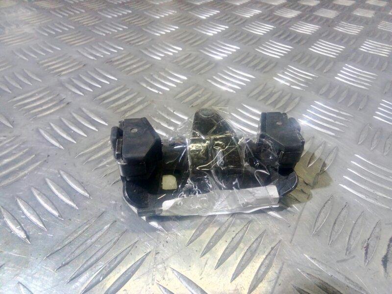 Ответная часть замка багажника 9203678 Volvo S80 -06