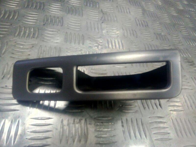 Накладка ручки двери задней левой внутренняя алюминий 8663813 Volvo S4 V50