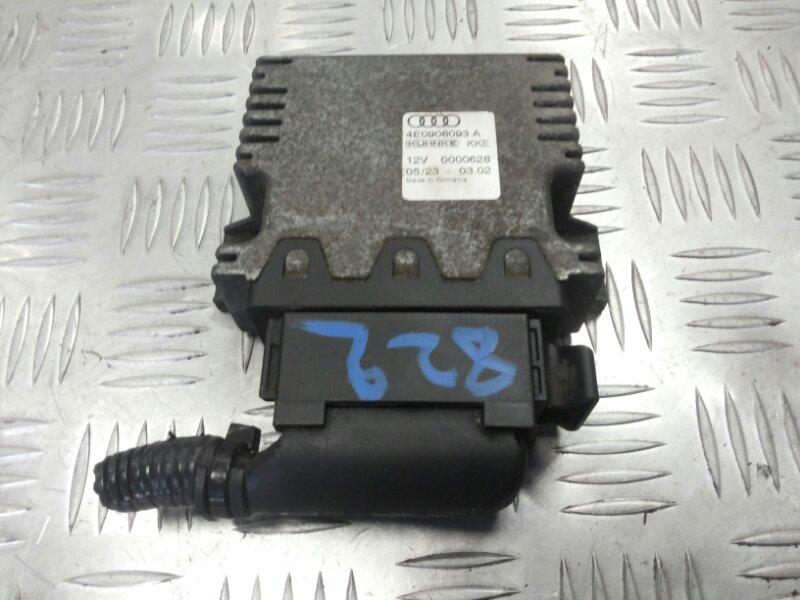 Блок управления бензонасосом Audi A8 D3 3.2 BKP 2006