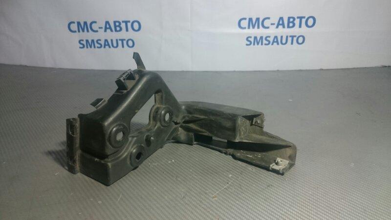 Крепеж порога Audi A8 D3 задний левый